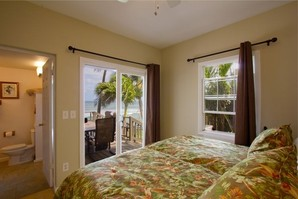 Paia Paradise Beach Home Front Bedroom