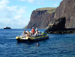 Un Cruise Hawaiian Islands Seascapes